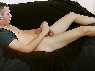 Skinny babe Aiden lies back for a good tug