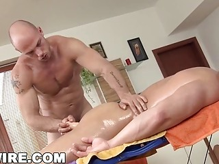 Masseuse completes this session with an ass pounding