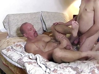 An afternoon of banging for two gay bears