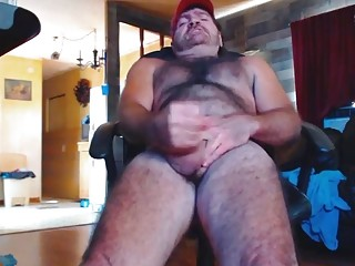 Older redneck's butthole takes its first toy
