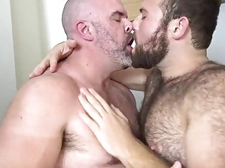 Older gay bear rides his partner bareback