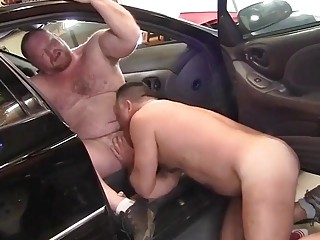 Husky mechanic is happy to take ass in exchange for payment