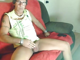 Good-looking granddaddy nutting on the webcam