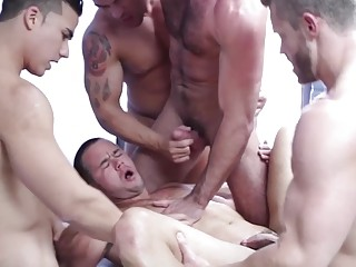 Free gay vid with the hottest hunks