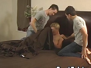 Twinks go for threesome after blowjobs